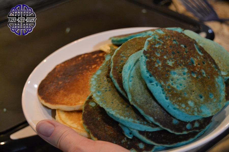 Blue Pancakes (7)